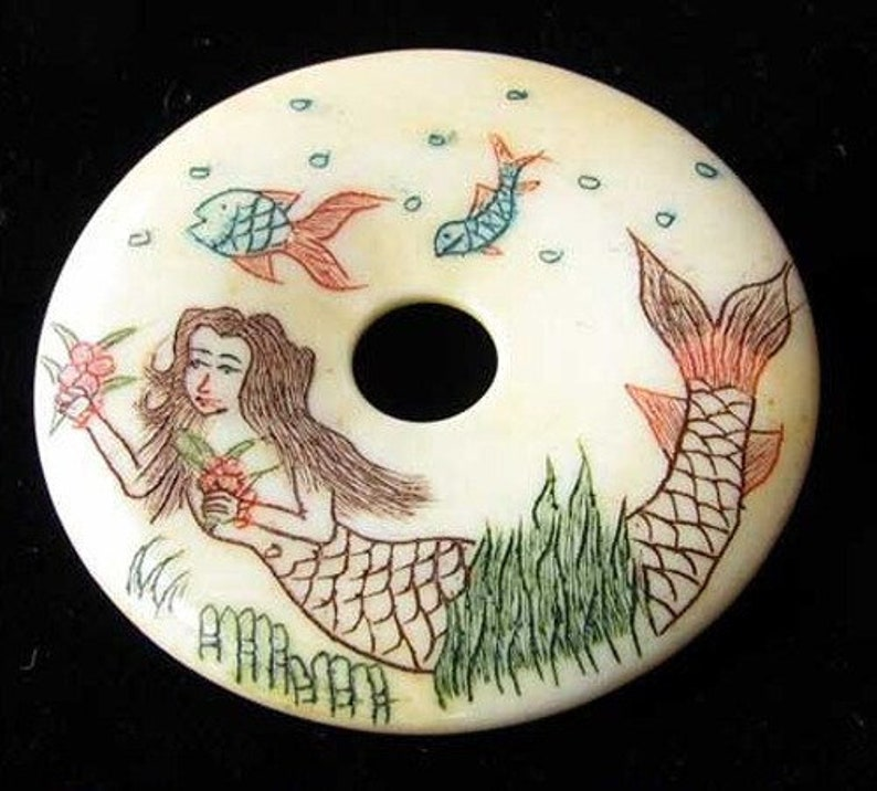 Carved /& Etched Mermaid 38mm Pi Circle Centerpiece 9699