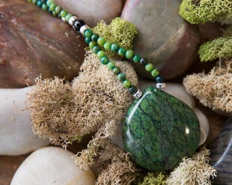 Vivid Green Chrysocolla Necklace with Black Onyx Stations
