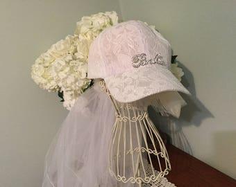 Hens White or Pink Lace Baseball Cap Veil FREE sash! beautiful rhinestone BRIDE heart charm,sporty bachelorettes/honeymoon hat bridal shower