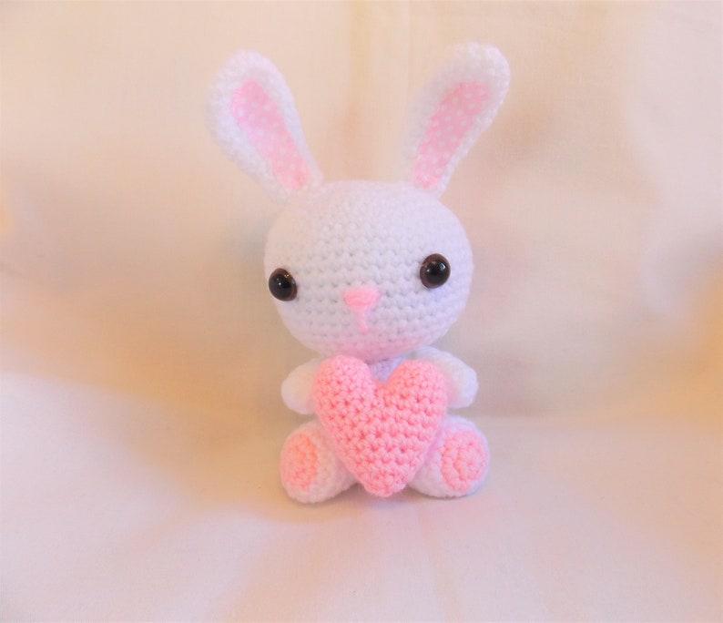 Coniglietto Di Uncinetto Amigurumi Bunny Coniglio Con Cuore Etsy