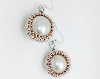 Classic earrings Blush roses and pearls of Bohemia