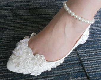 New Promotion White Lace Pearls Bandage Women Wedding Shoes Flat Heel Sexy Bridal  Shoes Size 34-44 71da20dbcb8c