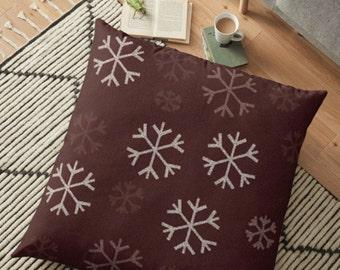 HOLIDAY Decorative THROW PILLOW Winter Seasonal Home Decor Holiday Home Decor Christmas Pillow Home Decor Snowflake Pillow Christmas Gift