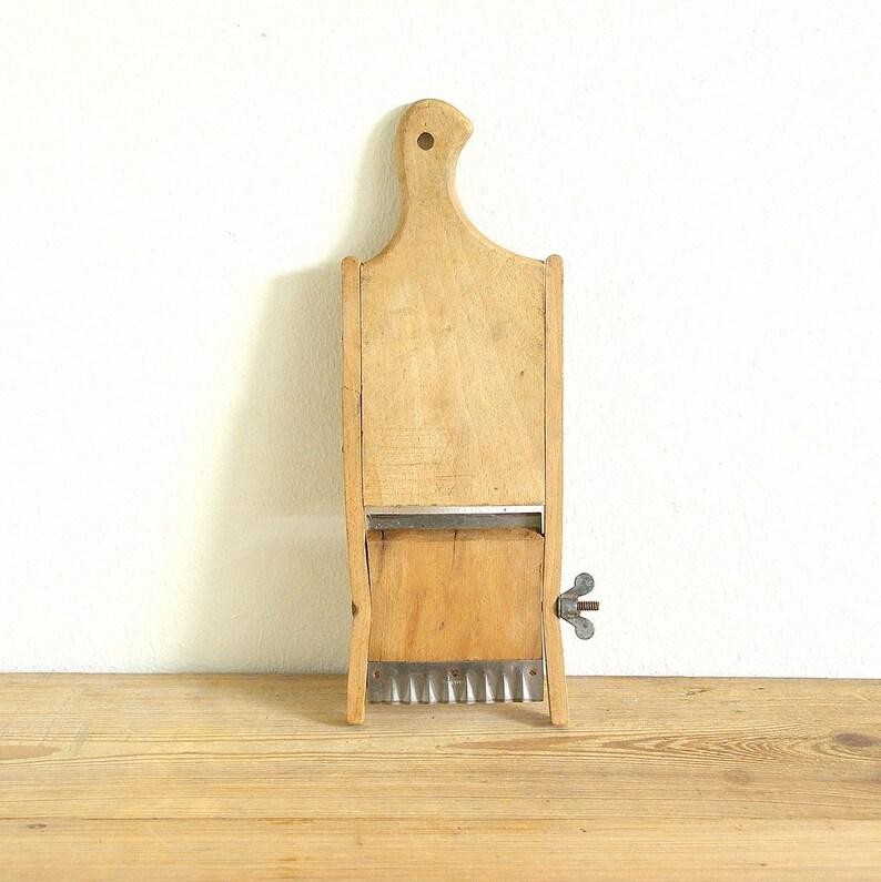 Vintage mandolin slicer, rustic hand grater, Country kitchen old, Farmhouse  decor, wooden utensil, Primitive vegetable cabbage cutter