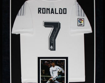 6201ecf5c88 Cristiano Ronaldo Real Madrid FC Signed Soccer Football Jersey Collector  Frame