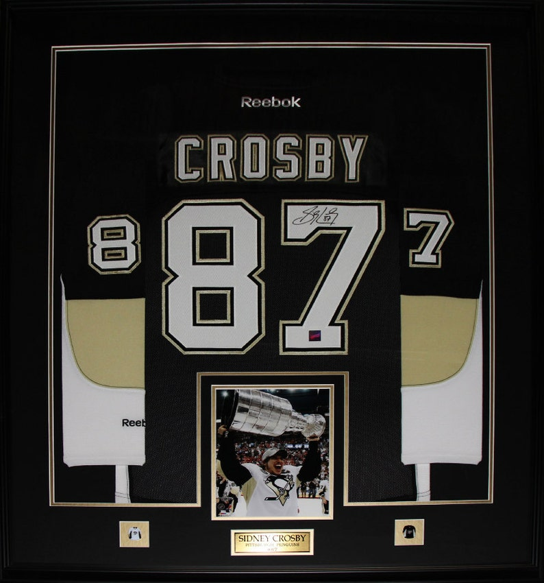 buy popular 449ef 90e05 Sidney Crosby Pittsburgh Penguins signed jersey frame