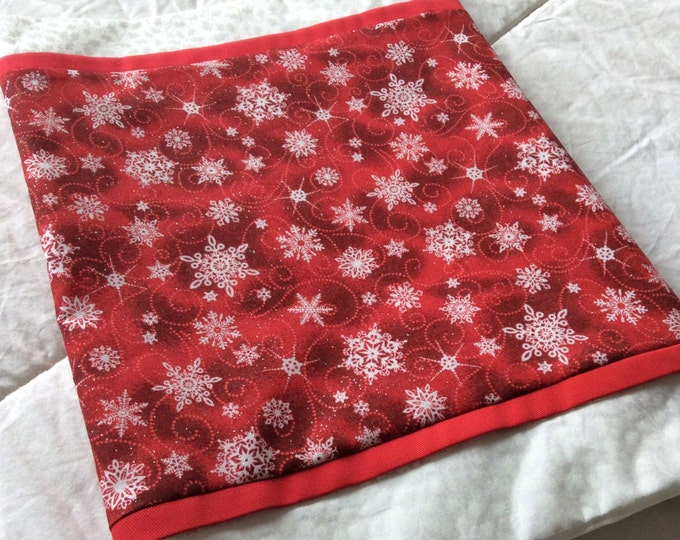 SALE-Red Snowflake Christmas Table Runner