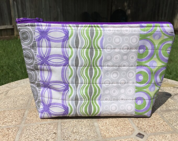 SALE - Quilted Zipper Pouch