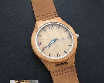 Montre bracelet cuir marron et cadran en bois cadeau a personnaliser pour  homme 5b0409e3f52