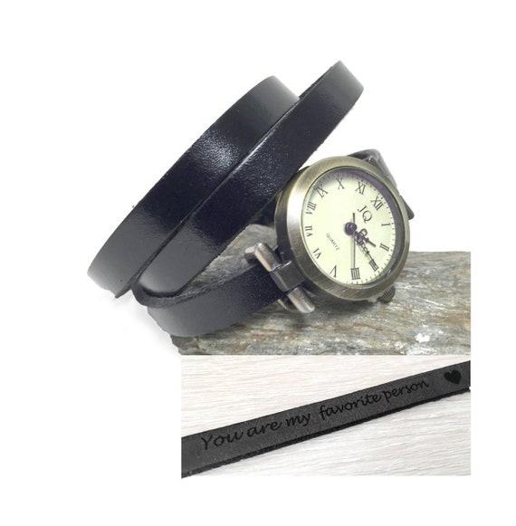 Montre poignet femme minimaliste bracelet cuir noir personnalisable, cadeau  femme rétro 0b59a05574e
