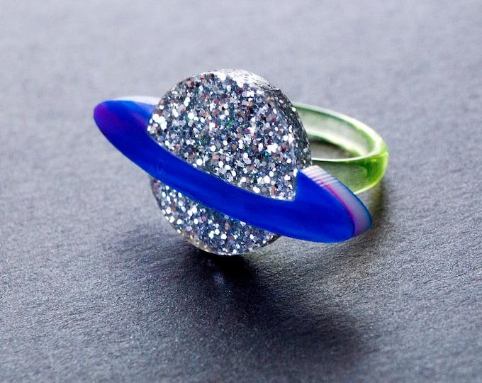 Silver Glitter Blue Purple Swirl Laser Cut Acrylic Saturn Ring / Planet Jewelry / Space Ring / Galaxy Jewelry / Aesthetic Jewelry / Sci-Fi