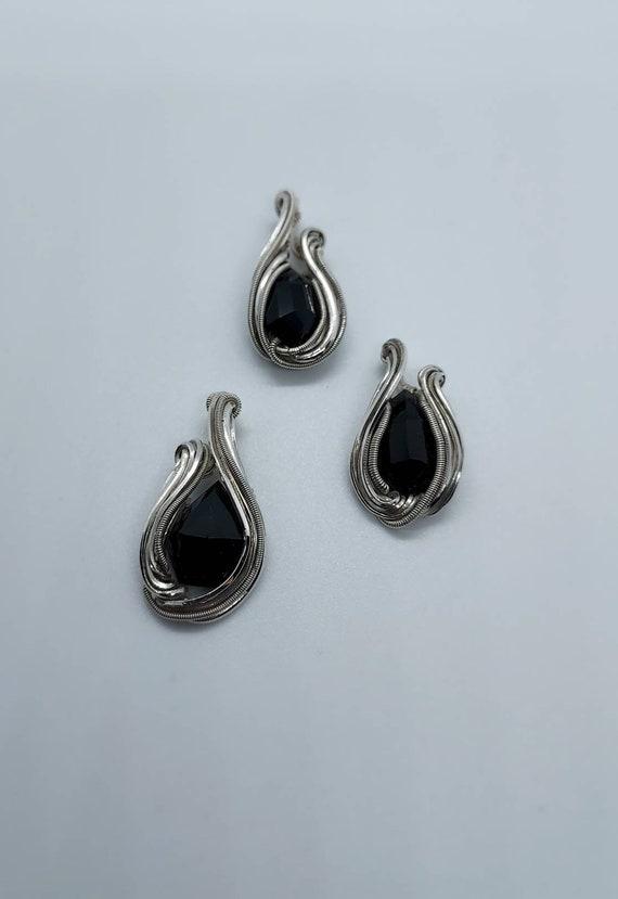 Black spinel mini pendant