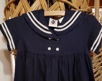 18366f5ee2a766 Kostenloser Versand - das süßeste entzückende kleine Mädchen Marineblau mit  weißen Decrotive Stri