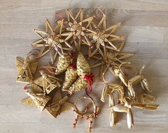 CHRISTMAS Scandinavian European Vintage Item / Set of 17 Swedish Christmas Tree Straw Ornaments, Straw Stars and Hearts, Handmade in Sweden