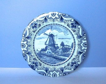 Scandinavian European Vintage Item / Collectible Dutch Delft Wall Plate, 10.5 inch, Delfts Blauw, made in Holland, Scalloped Edge Flow Blue