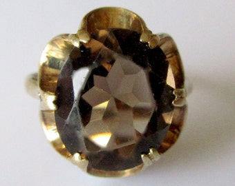9ct Gold Oval Smokey Quartz Ring