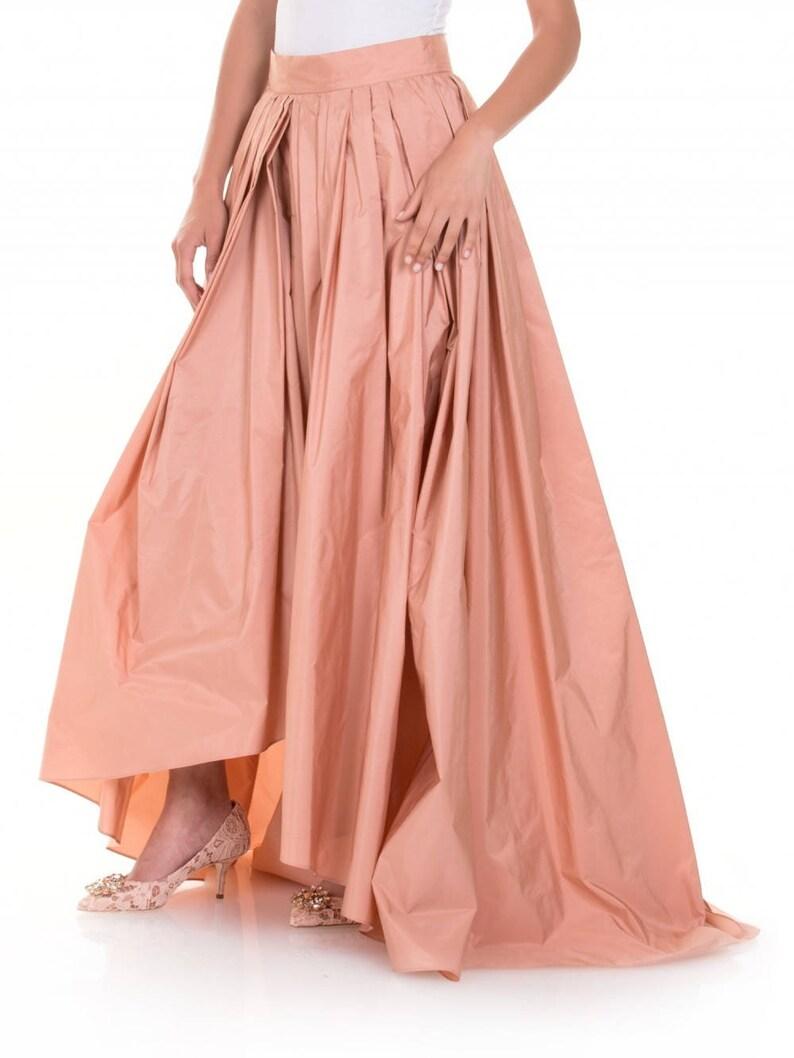 factory authentic 1769e a5dab Gonna lunga rosa in taffetà di seta con strascico, Gonna rosa elegante,  Gonna donna stile anni 50 in taffetà, Gonna a pieghe ampia