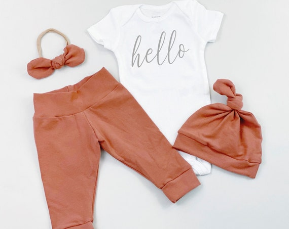 Clay Hello Gender Neutral Coming Home Outfit