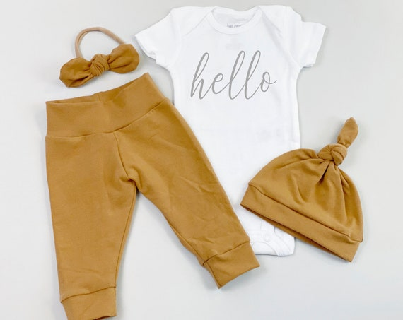 Honey Hello Gender Neutral Coming Home Outfit