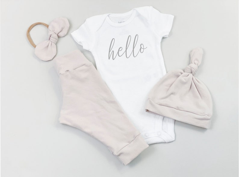Newborn girl coming home outfit dusty rose Baby girl clothes set Baby hospital outfit floral Take home outfit Baby girl onesie Baby hat pink