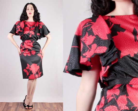 70s 80s Red Rose Print Dress with Dramatic 30s st… - image 3