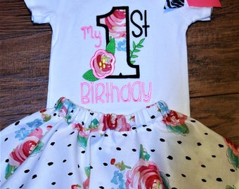 First birthday, 1st birthday, birthday outfit, 1st birthday girl, birthday shirt, bodysuit, baby girl clothes, skirt, floral, personalized