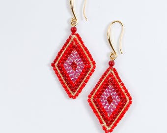Red beads earrings, diamond shape earrings, beads earrings, handmade from Thailand, every day earrings, dangle earrings, square earrings