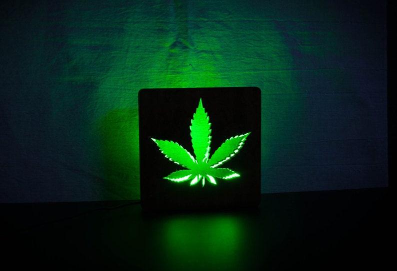 Lumière Veilleuse De Table Chambre À Lampe Coucher Bois Usb En Rasta 420 Canabis Led Pour Voyage Marijuana xQCordeWB