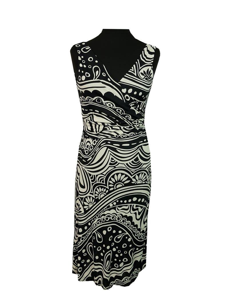 Vintage Dress Size 8 Black White Patterned