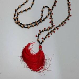 Rojo Borla Collar Largo Boho de múltiples