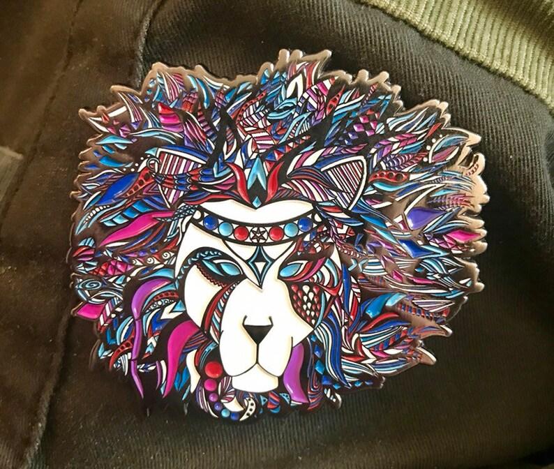 UV Lion Main Hat Pin image 0