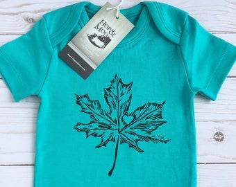 ORGANIC MAPLE LEAF Canadian Baby Bodysuit (Aqua Shirt)