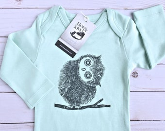 ORGANIC Fluffy BABY OWL- Handprinted Baby Bodysuit (mint green shirt)