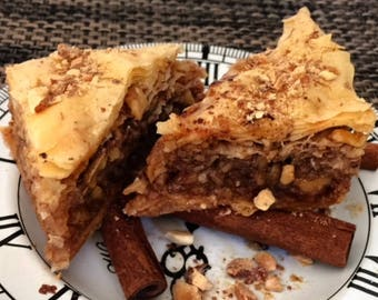 Baklava - Greek Traditional Recipe - Crispy and Crunchy - Baked to Order - Homemade (12 square pieces)