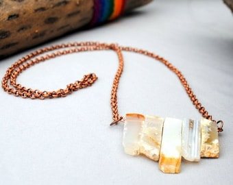 Quarts Bar Necklace