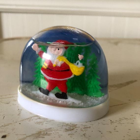 Vintage Christmas Snow Globes.Vintage Santa With Toy Bag Bird Plastic Christmas Snow Globe Vintage Christmas Vintage Snow Globe Vintage Santa Plastic Snow Globe