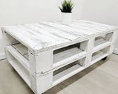 """Distressed Pallet Coffee Table """"LEMMIK"""" in aged white finish, made of Reclaimed Timber, Whitewashed, Shabby Chic Design, Bohemian"""