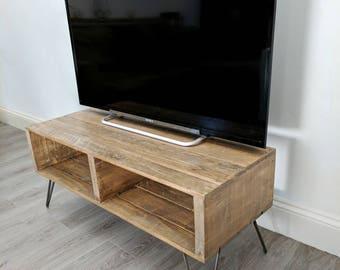 Reclaimed Pallet Wood Tv Table Turvas In Dark Oak Etsy