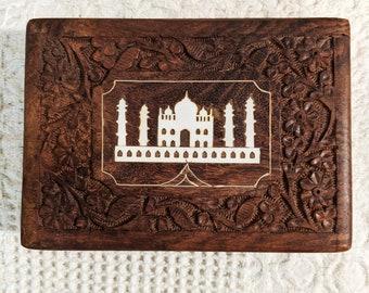 Vintage Carved Wooden Box, Taj Mahal Carved Wooden Box, Taj Mahal Jewelry Box, Novelty Wooden Jewelry Box