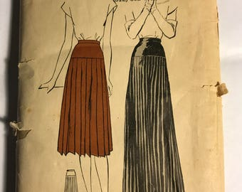 Vintage 1940s Pleated Skirt Pattern in Two Lengths, W28