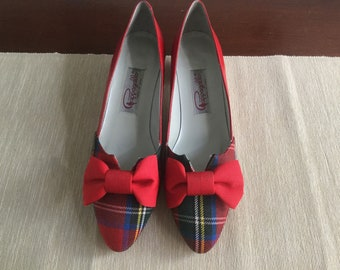 Vintage red plaid pumps 7.5