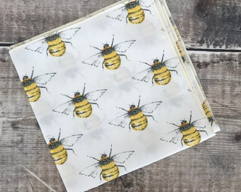 Bee Pocket Square. Bee print , Bee gift , Wedding attire, Dapper Groom Accessory, Best Man Gift, Hipster