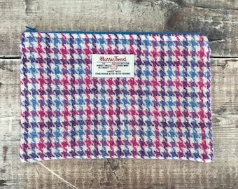 Harris Tweed pouch, tweed purse, Tweed Bag, zipped pouch, gift for mum, tweed make up bag, dogs tooth purse