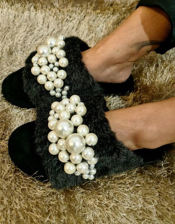 Pearls Slippers/handmade slippers/luxury /embellished slippers/sheepskin /genuine leather/luxury slippers/women slippers/house slippers
