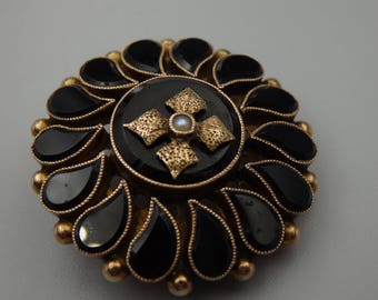 10k gold victorian onyx and seed pearl mourning brooch, pendant