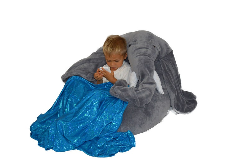 Excellent Elephant Bean Bag Chair With Blanket Of Water Stored In His Trunk Ibusinesslaw Wood Chair Design Ideas Ibusinesslaworg
