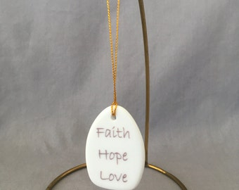"Teardrop Bouquet charm - ""Faith Hope Love"""