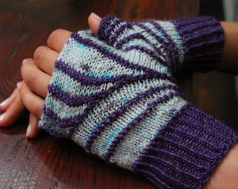 Fingerless Mitts Knitting Pattern - short row construction - Instant Download - knitted gloves - quick knit - fingerless gloves