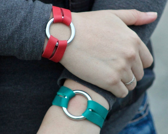 The Petite Essential Leather and Silver Bracelet - Red and Teal