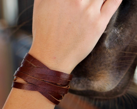 The Leather Wrap Bracelet with a Twist - Brass - 4 Colors (Browns)